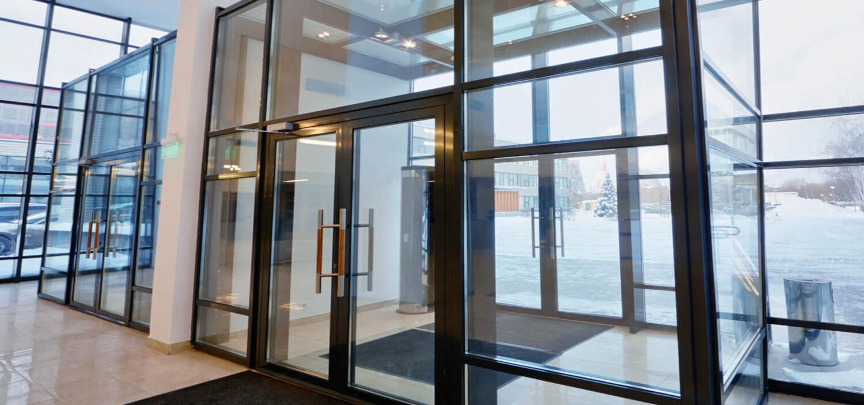 Теплые алюминиевые окна и двери